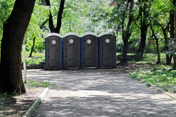 Benefits of hiring portable toilets for construction sites